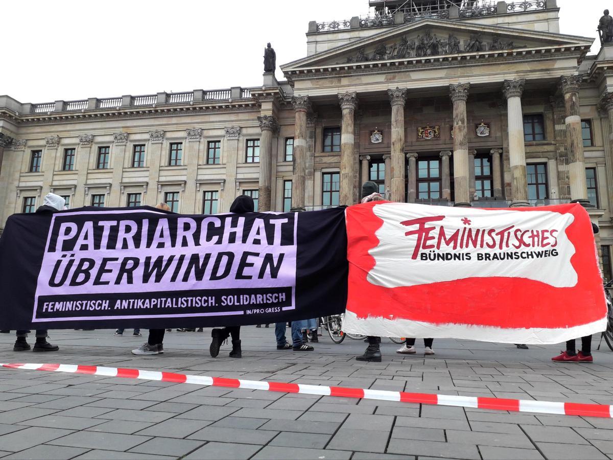 Redebeitrag auf Demo zum Internationalen Feministischen Kampftag 2021